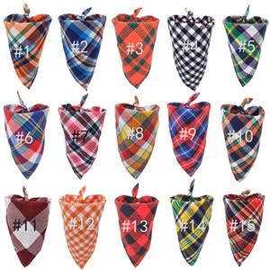 Triángulo perro Bandanas perro de mascota ajustables del pañuelo de cuello pajarita corbata de lazo del pañuelo de cuello pañuelo para el cuello del perro Accesorios tela escocesa de la bufanda de DHL