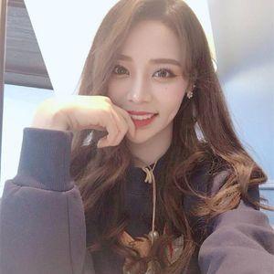 Spot Coréia perucas das mulheres longo encaracolado cabelo na franja cortes de cabelo direto da fábrica perucas de vendas