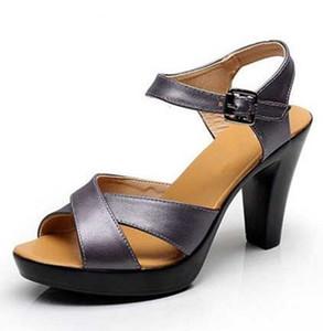 CALIENTE 2019 Más nuevo verano de gran tamaño sandalias de tacón alto de cuero genuino Moda sandalias de los zapatos cómodos cabeza de pez romano zapatos de mujer