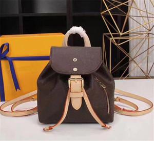 stile punk all'ingrosso Rivet zaino Moda Uomo Donne poco costoso zaino coreano elegante borsa a spalla del progettista di marca high-end sacchetto PU Sacchetto di scuola