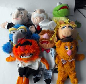 Los Muppets Kermit la rana de marionetas oso Fozzie sueca Chef Piggy Gonzo rellena felpa 28cm marionetas de mano del bebé de los niños Juguetes para niños Y200703