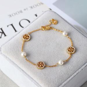 Ladies Fashion Inlaid Pearl Asymmetric Glossy Bracelets Female Logo Icon Bracelet Women Luxury Designer Bracelet Jewelry
