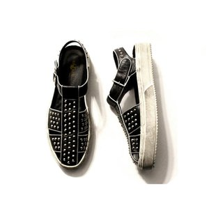 Plataforma Sole blanca del remache de la vendimia hecha a mano de los zapatos masculinos de cuero de vaca gladiador sandalias al aire libre Caminar Sandalias Hombre