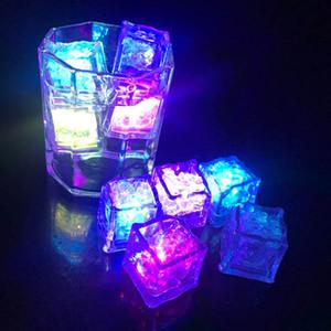 Night Lights attiva del sensore LED Flash Ice Cube ardore del partito luci luminoso LED lampeggiante Ice Cubes liquido per Festival Matrimonio Natale Bar