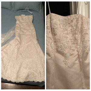 Robe de mariée sirène Modest Robes dentelle perles perles Appliques Affordable robes de mariée train chapelle Discount Robes de mariée