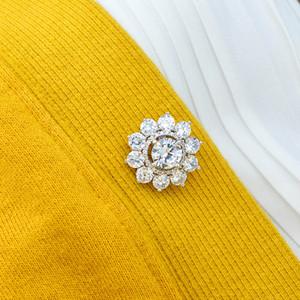 Kristallblumen-Brosche-Frauen-Hemd-Revers-Stifte Sicherheitsschnalle Buttons Metall Tie Tacks Pin Zurück Clutch für Pullover, Schal