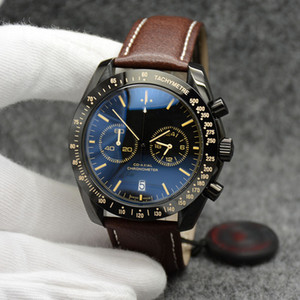 44MM Cronografo al quarzo Data Orologi da uomo Numero giallo marcatori Cinturino in pelle marrone con castone fisso con un anello superiore che mostra i segni del tachimetro