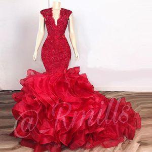 Rojo oscuro en cascada de volantes vestidos de baile de la sirena de los vestidos de 2020 de encaje con cuentas de organza con cuello en V de la tarde del partido de coctel vestidos de túnicas de soirée