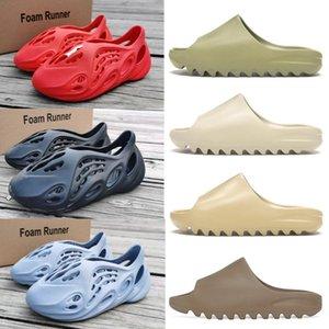 Neue Designer Slides Kanye West Damen Herren Slippers Foam Runner Desert Sand Knochen Harz Kinder Kinderschuhe Sandalen Luxus-Sneaker Schwarz
