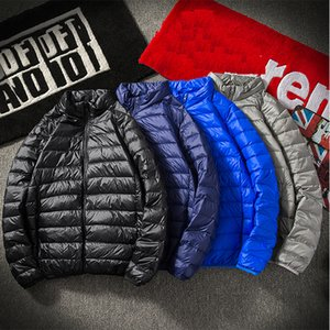 2018 Inverno Brasão soprador Jacket Men Outono Quente Pack-capazes Lightweight gola Coats Branco Duck Down Jakcet Viagem portátil