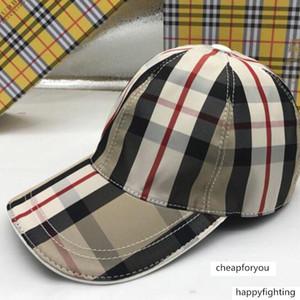Diseñador de las gorras de Hombres Camisas para mujer de lujo béisbol Bur Caps diseñador de moda Snapback Caps Sombrero Casual con la caja
