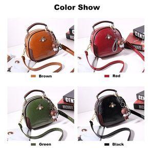Designer-Mulheres Bolsa de Ombro em Couro Bag Crossbody famosa marca Tote Handbag vermelho redondo pequeno bonito Moda Bolsas com Urso Pendant