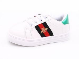 Infantil Menino Stripe Sneakers Bebê Da Criança Meninas Abelhas Primeiro Walker Moda Amor Coração Padrão Não-slip Sapatos Ao Ar Livre Para As Crianças