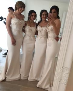 2019 Floral Lace Spaghetti abiti da damigella d'onore lungo della sirena cinghie 3D Applique con il grande arco del telaio Invitato a un matrimonio cameriera d'onore abiti BM0612