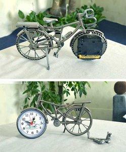 الكلاسيكية الأوروبية الإبداعية دراجة المنبه الرجعية الرياح المنزل منصة الدراجات ساعة ساعة مقلد النمذجة الحرف الهدايا