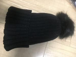 Marka lüks tasarımcı Kış marka erkekler Bonnet kadınları Casual örgü hip hop 5 renk açık gorros Ponpon kafatası kapaklar saç top beanie