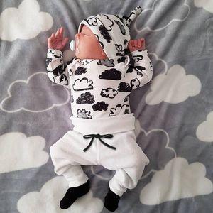 2020 Netter 3PCS Set neugeborenes Kind-Baby-Jungen-Cloud Print-T-Shirt Tops + Pants Outfits Kleidung stellten lange Hosen Hat Outfits 0-18M