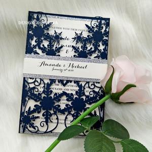 20 + Colore Inverno Navy Blue Shimmy Snowflake Laser Cut inviti di nozze con la pancia Silver Glitter Banda Piegato festa di nozze Invito