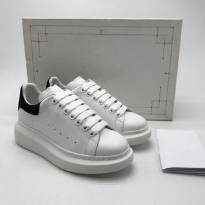Womens Platform Bianco Chaussures progettista del Mens scarpe sovradimensionati Sneakers Black Velvet di lusso casuale Scarpe Schoenen solido Scarpa partito