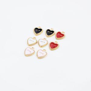 Pendente della lega di fascini di goccia dell'olio dell'amante di forma del cuore di modo adatto a braccialetto Risultati dei monili degli accessori di modo di DIY 40pcs / lot all'ingrosso