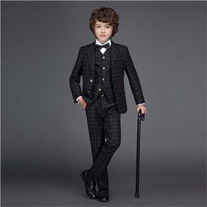 Yeni Stil Onay Erkek Resmi Giyim Takım Elbise Saten Yaka Siyah Boys 'kıyafet Için Alyans taşıyıcı kıyafet ceket yelek pantolon Boys Resmi Smokin