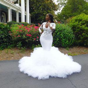 Charming Beaded Mermaid Plus Size 3D Appliqued Wedding Dresses V Neck Long Sleeves Bridal Gowns Sweep Train robes de mariée
