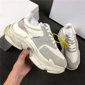 Diseñador de lujo Hombres Mujeres Zapatillas de deporte Zapatos casuales Low Pink Triple S 2.0 Paris Zapatillas de deporte Zapatillas para caminar Zapatillas deportivas Chaussures Pour Hommes