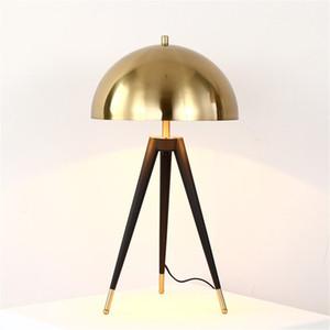 Yatak odası Okuma Aydınlatma Armatür TA056 yanında metal Tripod Table lambası Modern Altın Mantar Tablo ışık Ev