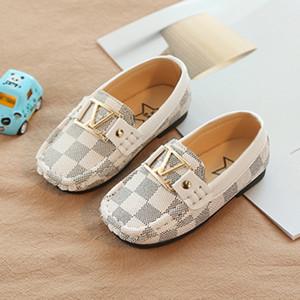 Mädchen, Jungen neugeborene Kinder Sportschuhe Punkt heißen Babybootstyp Baby weiche Schuhe Kinder PU weichen unteren Schuhe