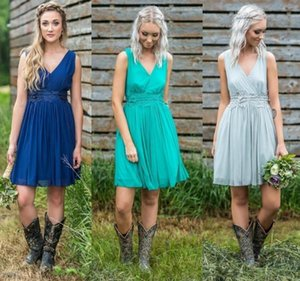 Country Bridesmaid Dresses A Line V Neck Knee Length Vintage Maid Of Honor Dresses Appliqued Cocktail Party Gowns Plus Size Prom Dresses