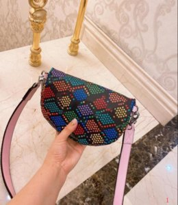Borse pacchetto di Fanny di cuoio dei sacchetti di qualità delle donne della borsa della borsa cosmetici per Lady di marca Designer Magic Shopping Candy Bucket Classic SLQ200328