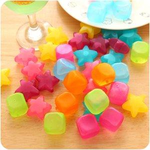 6pcs / Lot Pas Cher En Forme De Cubes En Plastique Réutilisable Multicolore Cube De Glace Outils De Refroidissement Physique Partie Outil C19041301