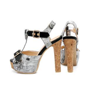 Klasik Sandalet Lady Yaz 2019 Tasarımcı Ayakkabı Peep Toe Sandalet Metal toka Deri seksi yüksek topuklu bayan ayakkabıları 11.5 cm Büyük Boy