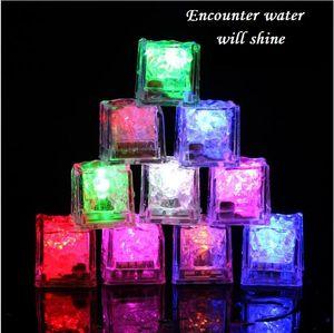 Bloco de Gelo luminescente LED Luminescente Bloco Colorido Flash Bloco De Gelo Indução De Gelo Do Flash Lâmpada KTV Bar Fontes Do Casamento