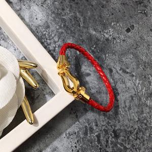 남성을위한 말굽 가죽 팔찌 자석 걸쇠 스틸 팔찌 티타늄 스틸 스테인레스 미니멀 스타일 패션 럭셔리 디자이너 보석