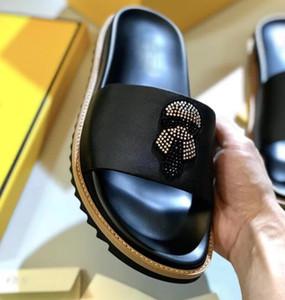 La venta caliente-TX hombres del cuero genuino chanclas sandalias de diamantes de imitación de diseño al aire libre hombre zapatillas casuales Diapositivas Hombre 38-45