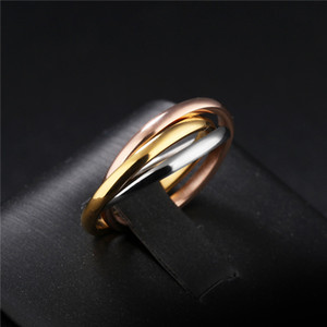 Fashion Classic Kreative Trinity Ring Drei-Ring-Winding-Ring-Frauen Edelstahl 3 Farbe Trinity Rollen Wedding Band Ringe