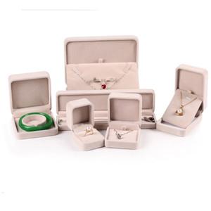 Nuevo color beige pulsera brazalete pendiente Stud colgante collar anillo embalaje caja de terciopelo cajas de joyería pantalla envío gratis
