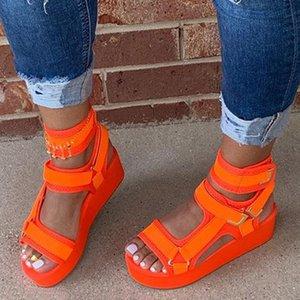 Plattform öffnen Zehe-Plattform Solid Color-Sandelholz-Frauen 2020 Sommer-beiläufige Art und Weise im Freien Strand-Schuhe Rosa / orange