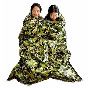 Manta de los primeros auxilios de emergencia Camuflaje Supervivencia en Emergencias Saco de dormir Mantenga caliente a prueba de agua caliente de Mylar acampan al aire libre sacos de dormir LXL962-1