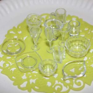 33 adet / grup Plaka Fincan Çanak Kase Sofra Seti Dollhouse Minyatür Oyuncak Bebek Gıda Mutfak Oturma Odası Aksesuarları 1:12 Ölçekli
