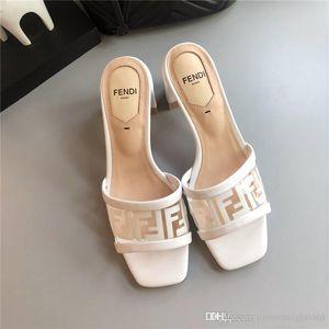 Neue PVC-transparente weiße Sandalen Mules Luxuxqualitäts Frauen Sandalen mit hohen Absätzen Designerschuhe weibliche Sandalen
