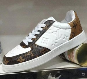 Модные новые классические дамы плоские туфли случайные девушки кроссовки новый дизайнер дизайн высокого класса атмосферные кроссовки