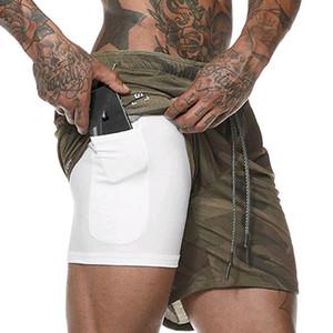 2019 nuevos hombres del verano de doble capa pantalones cortos de entrenamiento de entrenamiento fitness sportswear sweat shorts cortos de entrenamiento de camuflaje 2 en 1 Y190508