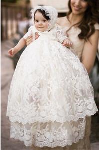 niñas al por menor vestido de bautismo niños llenas del cordón largo de doble capa bordado vestido de bautizo blanco de manga corta de los niños boutique de ropa