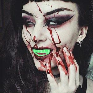 Cadılar Bayramı Dekorasyon Vampir Yanlış Diş Floresan Yeşil ışık canavar Diş Cosplay Kostüm Prop Parti JK1909 Malzemeleri