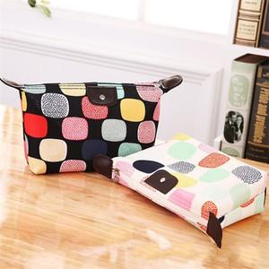 Fiore di colore bagagli Cosmetic Bag Pouch Fold Borse Pu Dumpling Tipo impermeabile trucco di lavaggio e risciacquo cerniera Classy 2cyb1