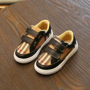 Para niños de diseño zapatos de moda muchachos de las muchachas unisex zapatos del tablero de la manera del estilo de chicas estudiantes ligeros zapatos de niño Casual