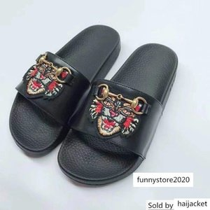 2019 Top Quality Letter embroidery Bee Tiger flip flop Leather Fashion Woman Heart-shaped Casual Slippers sandals With Box