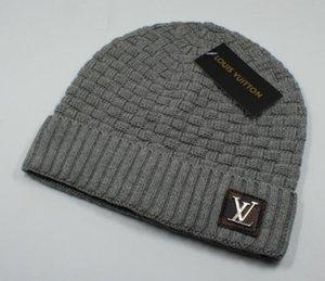 2020 i più nuovi classica di lusso di buona qualità trendy V Autunno Inverno unisex cappello di lana cappelli Lettera casual per uomo cappuccio delle donne del progettista